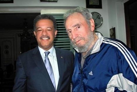 Fidel Castro et Leonel Fernandez... (Photo AFP)