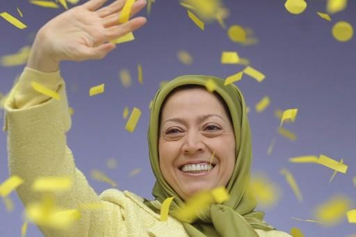 Maryam Radjavi, la «présidente de la république» iranienne... (Photo: Reuters)