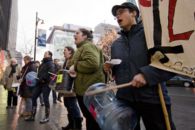 Des membres du collectif féministe pancanadien Toujours rebELLEs... (Photo: David Boily, La Presse)