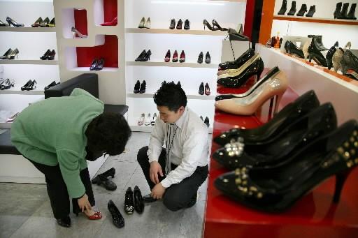 Les ventes de détail aux États-Unis sont reparties en baisse en mars, après... (Photo: Bloomberg)