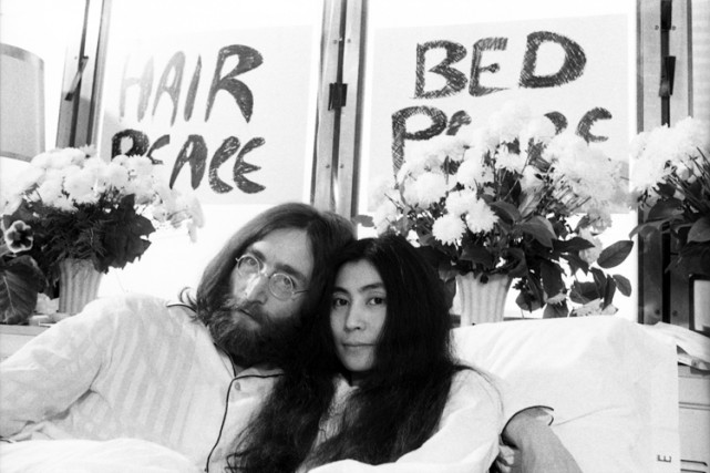 John Lennon et Yoko Ono lors de leur... (Photo: René Picard, archives La Presse)