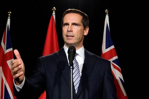 Le premier ministre de l'Ontario, Dalton McGuinty... (Archives, LeDroit)