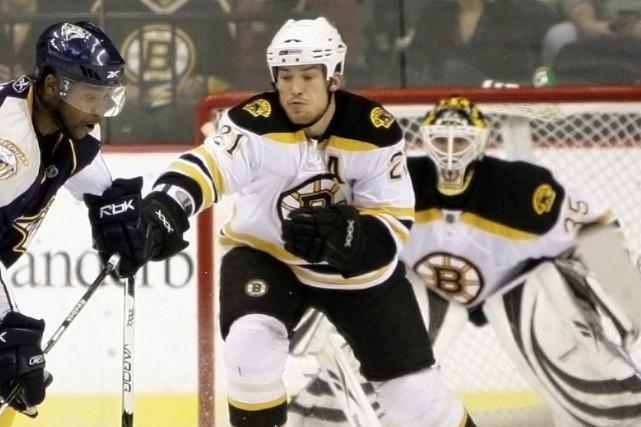 Le défenseur des Bruins de Boston Andrew Ference... (Photo: AP)