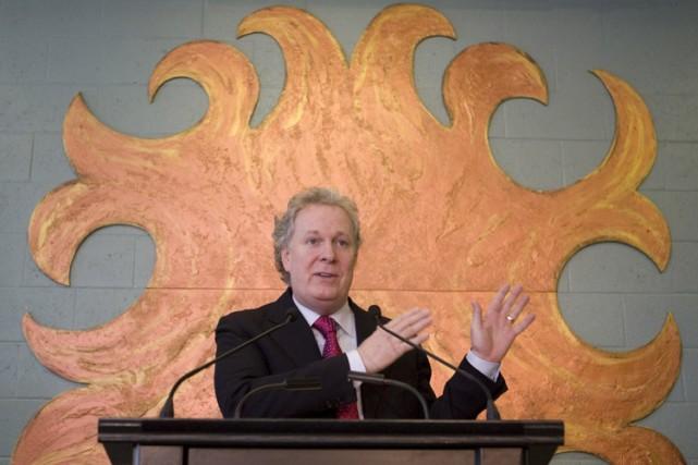 Le gouvernement Charest demande aux Québécois de se serrer la ceinture, mais il... (Photo: Robert Skinner, La Presse)
