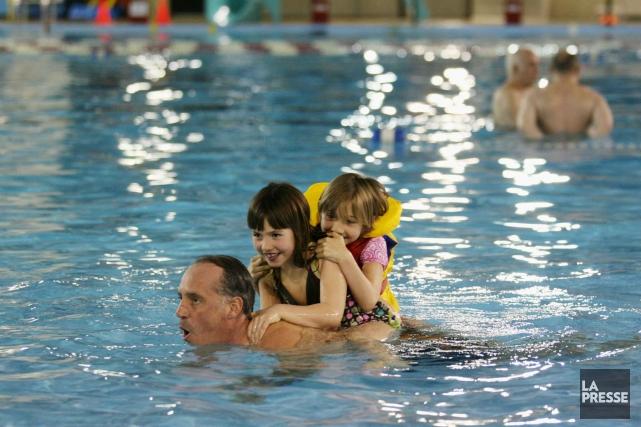 Des projets-pilotes de cours de natation testés à... (photo Stéphane Champagne, archives La Presse)