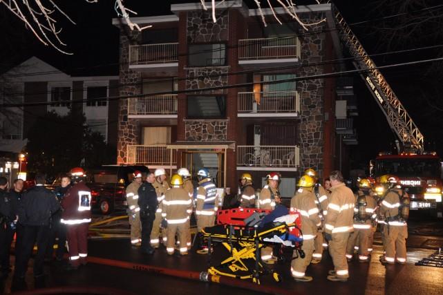 Un homme a péri dans l'incendie qui a pris naissance dans son logement cette... (Photo: Jean-Pierre Rancourt, collaboration spéciale)