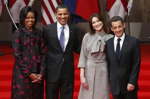 Les Obama ont été accueillis par le couple... (Photo: Reuters)