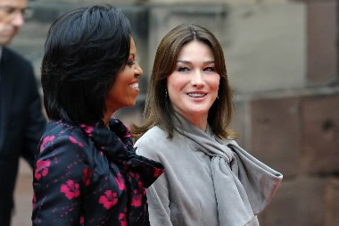 Michelle Obama et Carla Bruni... (Photo: AFP)
