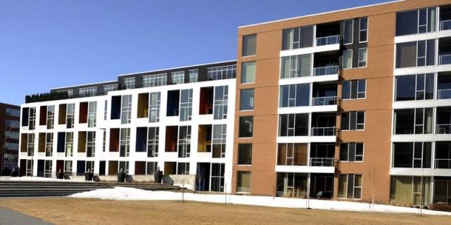 Dan Hanganu a conçu plusieurs maisons et ensembles... (Photo David Boily, La Presse)