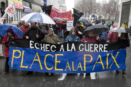 Des manifestants dans le centre-ville de Montréal... (Photo: Robert Skinner, La Presse)
