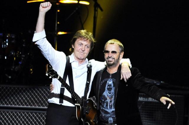 Les deux derniers membres encore en vie des Beatles, Paul McCartney et Ringo... (Photo: AP)