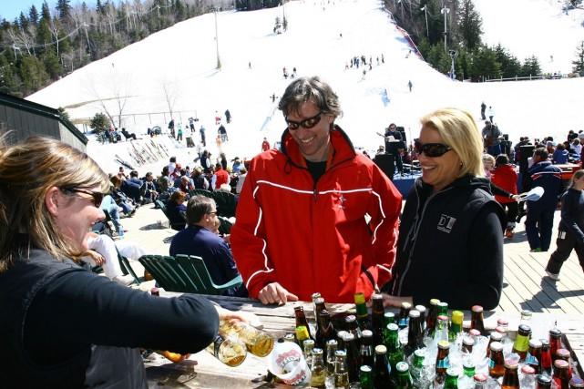 À Mont Saint-Sauveur, le ski de printemps se... (Photo: Mont Saint-Sauveur)