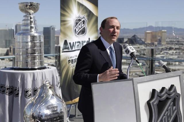 Gary Bettman a tenu un point de presse... (Photo: AP)