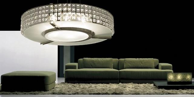 Exemple de lustre abordable: une suspension Soho, collection... (Photo fournie par Home Depot)