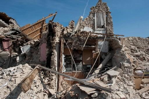 Il ne reste plus rien d'Onna, ville du... (Photo: AFP)