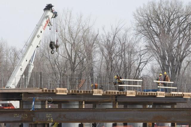 Le chantier de  construction du prolongement de... (Photo: Ivanoh Demers, La Presse)