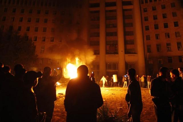 Des manifestants ont saccagé le Parlement à Chisinau.... (Photo: Reuters)