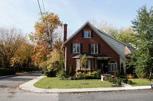 Les prix des maisons ont mieux fait ici au premier trimestre que dans... (Photo: Archives La Presse)