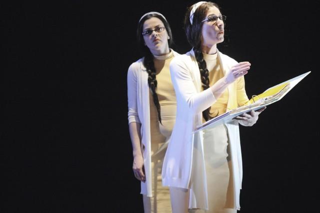 Deux comédiennes jouent le personnage de Marie: Enrica... (Photo: Communications Papineau-Couture)
