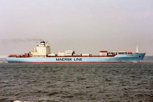 Le porte-conteneurs Maersk Alabama transportait des vivres humanitaires... (Archives AP)