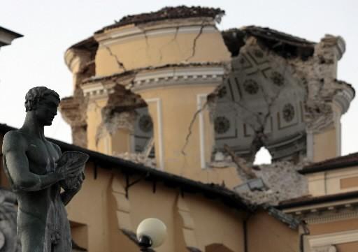La plupart des maisons et bâtiments ont fini... (Photo: Reuters)