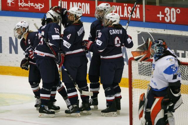 Les Américaines ont défait les Finlandaises 7-0, jeudi.... (Photo: Reuters)