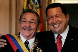Raul Castro et Hugo Chavez.... (Photo: AP)