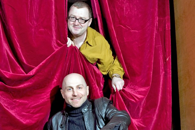 Le metteur en scène (en haut) et le... (Photo: André Tremblay, La Presse)