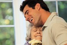 Votre conjoint téléphone à sa mère à tous les jours. Il vous dit souvent qu'il... (Photo: La Presse)