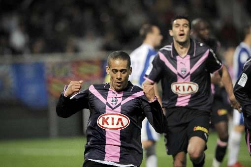 Géraldo Siva Wendel célèbre son but contre Auxerre.... (Photo AFP/Jeff Pachoud)