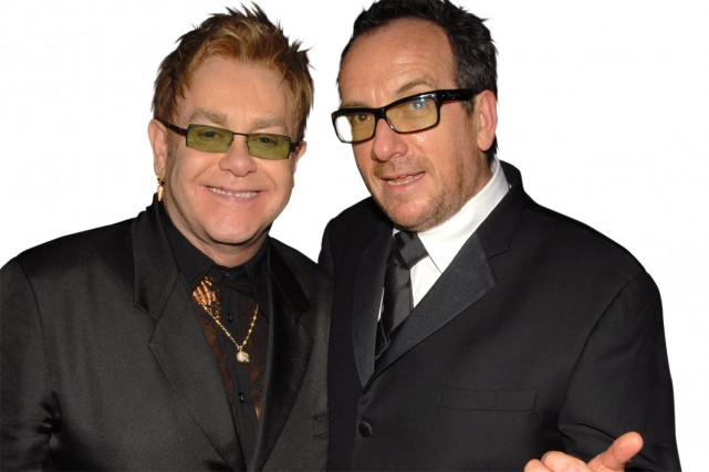 Elton John et Elvis Costello.... (Photo: CTV)