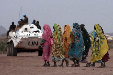 La mission de paix ONU-Union africaine, déployée en... (REUTERS/Zohra Bensemra)