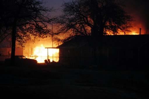 Le feu a passablement endommagé une quarantaine de... (Photo AP/Sue Ogrocki)