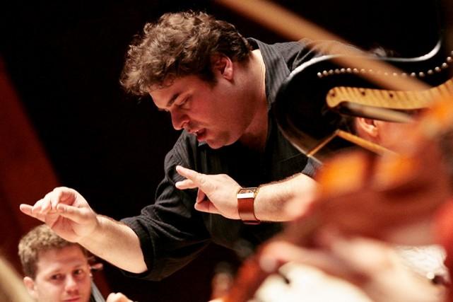 Jean-Marc Zeitouni (notre photo) dirige les Violons du... (Photo: fournie par la production)