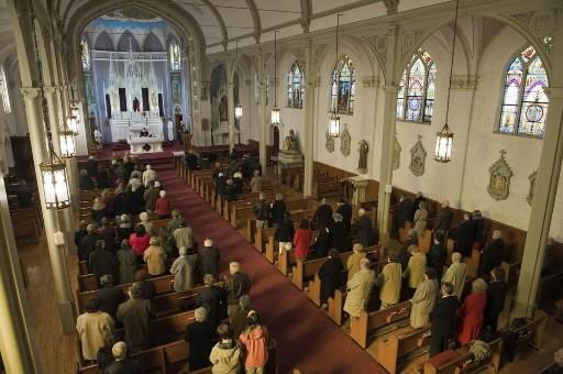 Sept responsables d'une église new-yorkaise sont accusés d'avoir monté une... (AP)