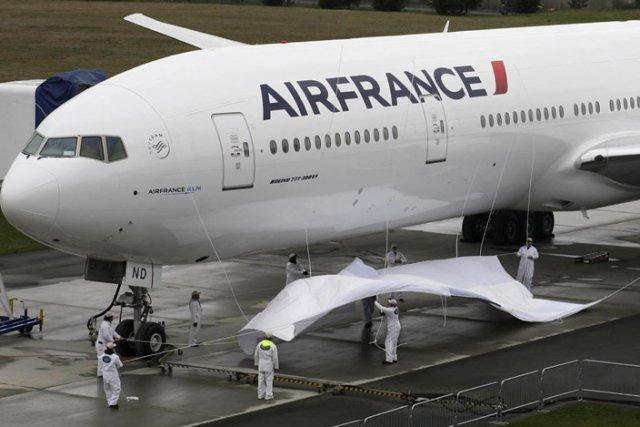 La compagnie aérienne va donc continuer à réduire son effectif et viser 2500 à... (Photo: Reuters)