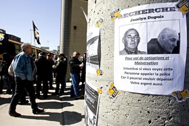 Quelque 300 membres de la FTQ-Construction ont pourchassé... (Photo: François Roy, La Presse)