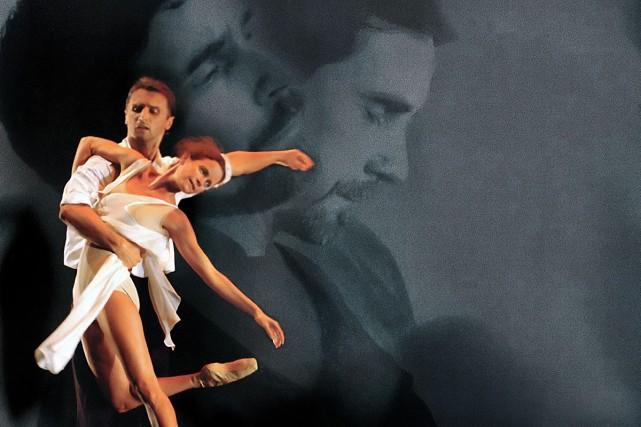 Les danseurs Mario Radacovsky et Anik Bissonnette (également... (Photo: David Asch)