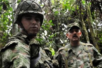 Des soldats colombiens... (Photo: AFP)
