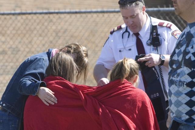 Les élèves incommodés ont été pris en charge... (Photo: Patrick Sanfaçon, La Presse)