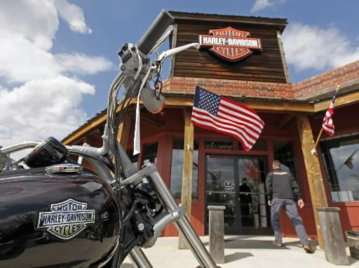Le constructeur de motos Harley-Davidson a annoncé jeudi qu'il allait supprimer... (Photo: Associated Press)
