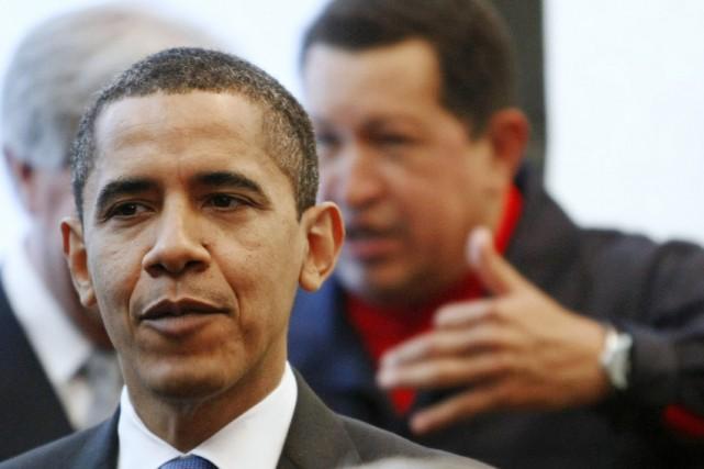 Le président américain Barack Obama, devant son homologue... (Photo: Reuters)