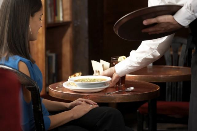 Un homme se faisant passer pour un serveur a encaissé 186$ en espèces auprès de...