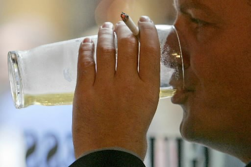 Boire de l'alcool ne rend pas les hommes moins aptes à deviner l'âge d'une... (Photo: archives Reuters)