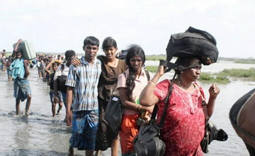 Des civils fuient les zones de combats.... (Photo: AFP)