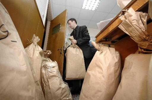 La victoire écrasante du Parti communiste aux élections législatives de... (Photo: AFP)