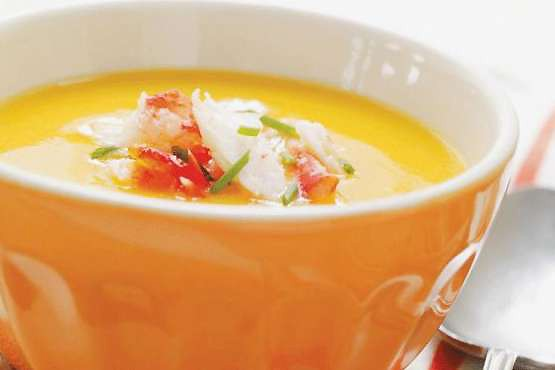 Crème de poivrons, garniture au crabe... (Photo: www.ricardocuisine.com)