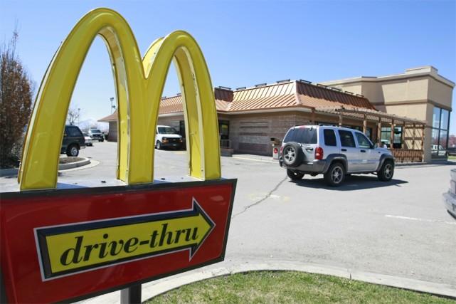 La chaîne américaine de restauration rapide McDonald's a vu son bénéfice net... (Bloomberg)
