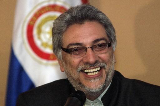 Fernando Lugo... (Photo: Reuters)