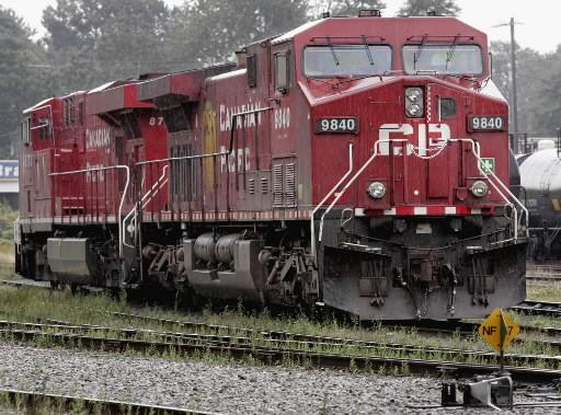 Le transporteur ferroviaire a vu ses profits chuter de 31% au cours du premier... (Photo: La Presse Canadienne)